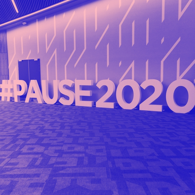 Photo of Pause Fest's #PAUSE2020 hashtag sign